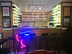 Wow Cafe & Bar
