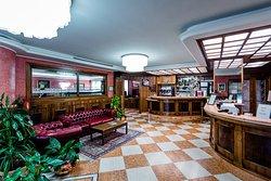 Reception - Hall - Bar