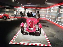 名車が並ぶフェラーリ博物館