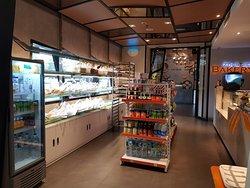 Toko Roti & Mini Market