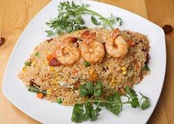 Combination of Fried Rice ( White Rice, Shrimp, Pork Sausage, Pie, Vegetable, Eggs) Cơm chiên Dương Châu