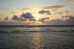 Первый восход 2020г над Лаккадивским морем (часть Индийского океана). Время 6:15 утра 01января.