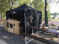 Náš stánek na Coal open air festival na Žermanické přehradě.