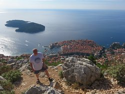Viewpoint above Dubrovnik (near cross and flagpole)