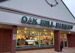 front of & entrance to Oak Mill Bakery