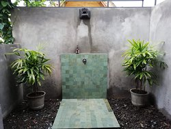 This is the outdoor shower of Kesambi 1