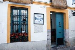 Situados en una antigua casa Cordobesa, en el corazón de Córdoba