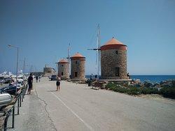 The 3 windmills