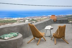 """Santorini"" two bedroom sleeps 5"