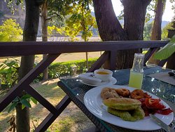 Treetop restaurant - Delious Breakfast fare by the river