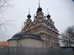 Церковь Лазаря Четверодневного: вид в профиль