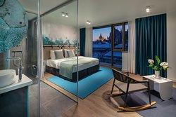 Moss Deluxe Room