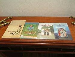มี หนังสือ พระราชนิพนธ์ของ สมเด็จพระกนิษฐาธิราชเจ้า กรมสมเด็จพระเทพรัตนราชสุดาฯ สยามบรมราชกุมารี ให้ อ่าน ครับ