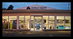 Le magasin d'accastillage Charlet Nautic