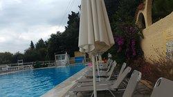 Взрослый бассейн