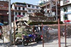 Il tempio distrutto di Krishna Narayan