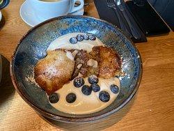 Liwanzen mit Zitronenjoghurt und Blaubeeren