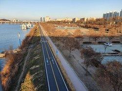 Jamwon Han River Park