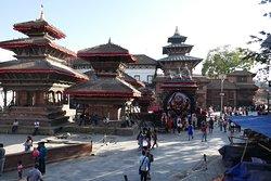 Durbar Square, uno scorcio con i templi
