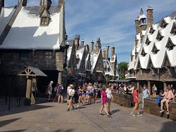 The Wizarding World of Harry Potter™ – Hogsmeade