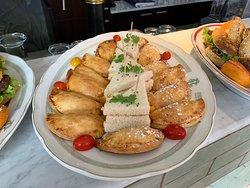 Le seul brunch de Genève avec un buffet à volonté et un plat chaud inclus à Chf 34.00 par personne!!!!