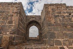 la porta delle mura esterne