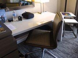 The Westin Michigan Avenue Chicago, 909 Michigan Ave (at E Delaware Place) - Room 1945 - Bedroom - Desk