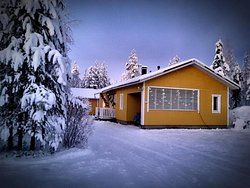 Домик в Викаярви, деревне близ Рованиеми, в Лапландии