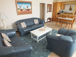 Kleinmond Panorama unit 3 apartment (Steenbras) -livingroom with kitchen and dining area
