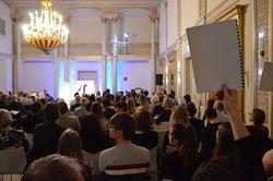 Poetry Slam im Spiegelsaal des Museum Art.Plus