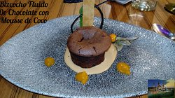 Bizcocho fluido de Chocolate con Mousse de coco