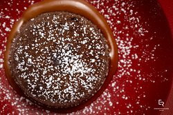 Coulant au chocolat et sauce caramel au beurre salé
