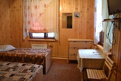 трехместный номер с двуспальной кроватью в гостинице