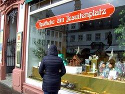 Das konnte man auf einen Stadt Spaziergang, durch die Historische Altstad, und die Moderne Neustadt, von Koblenz sehen...25.12.2019