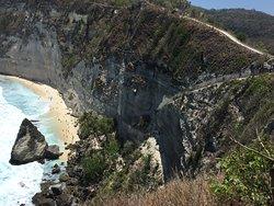 The way down to Diamond Beach