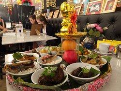 A set menu of various Peranakan dishes