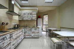 Academ House-это новый Хостел, расположенный в городе Киев на Академгородке.  Есть все, что нужно для комфортного отдыха. Частная закрытая территория, охраняемая парковка, видеонаблюдение, круглосуточная охрана и оборудованная зона для курения.  Спортзал, современная большая кухня. Ресепшн работает 24 часа без выходных. В хостеле работает бесплатный Wi-Fi