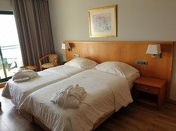 Unsere Betten mit guten Matratzen und den neuen herrlichen Decken