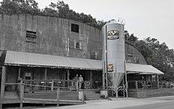 Nantahala Brewing Company Taproom, Smokehouse & Brewery