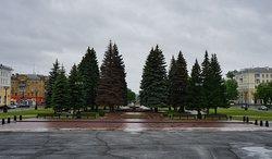 Вид с крыльца ДК ЧМК на бульвар им.Богдана Хмельницкого
