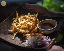 Deep fried fish  #Sadec6 #68ĐặngVũHỷ ---------------- Sadec 6 - Cuisines from the heart of Mekong - Nhà hàng ẩm thực di sản vùng Mekong 68 Đặng Vũ Hỷ, Sơn Trà, Đà Nẵng (https://g.page/Sadec6?) https://m.me/Sadec6 Hotline: 094 149 68 66 https://sadec6restaurant.com Instagram: sadec6danang #MonNgonDaNang #Sadec6 #MekongFood #VietnameseFood #Danang