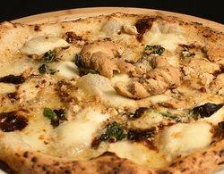 PIZZA CAFASSO Mozzarella di Bufala Cacio&Pepe Tarallo sbriciolato Basilico