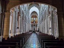 Vista desde el frente del altar mayor.
