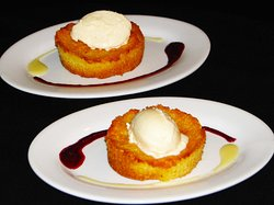 Warm buttercake with ice cream