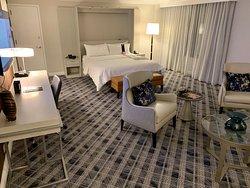 Suite 745