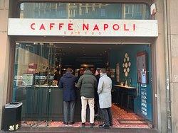 Caffe Napoli Turati - l'ingresso in corso Turati