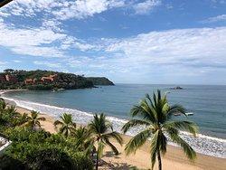 Vista de la playa (toda la playa que se ve es del Hotel!!)