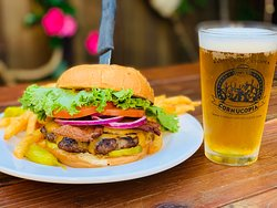 Jero's Bacon Cheddar Burger & Brew