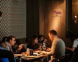 Share Saturday night with your friends while enjoying all the flavors of rich Indian cuisine! ~ Разделите субботний вечер со своими друзьями, наслаждаясь всеми вкусовыми оттенками богатой индийской кухни! MASTI BAKU Best indian & lebanese cuisine in Baku! 📍 Boulevard Hotel, Baku, Azerbaijan 📱 +994(50)4420500 🌐 https://mastibaku.az/
