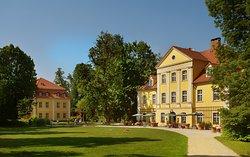Lomnica Palace